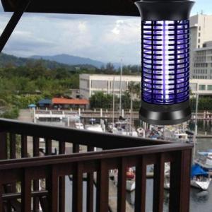 B.K Label-Cyclone pro Hang Anti Muggenlamp (Merkloos)